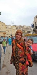 Mother and child in Fes